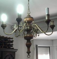 Lampara de madera y metalica estilo castellano
